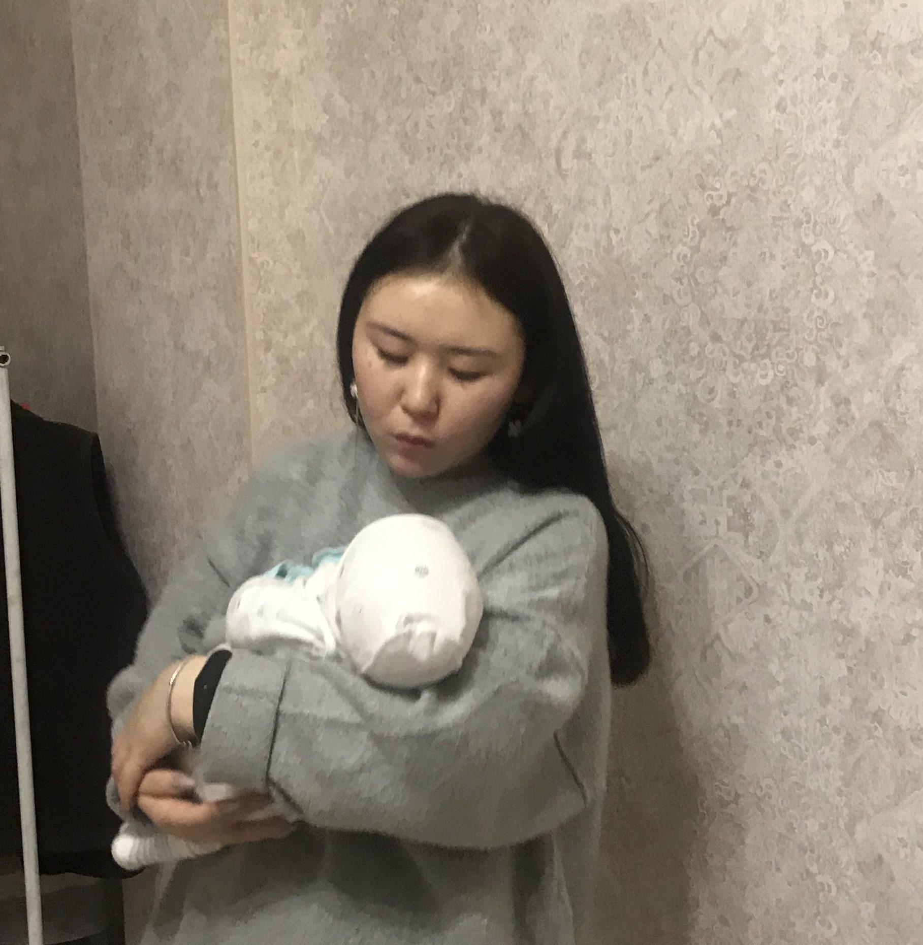 Eliza, 19 Jahre, Kirgisistan